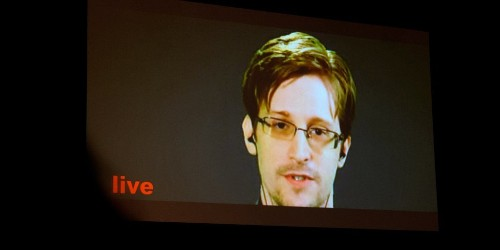 Edward Snowden Dismisses FBI Claim in Apple iPhone Battle