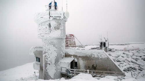 It's Going to Be -100 Degrees on Mount Washington Tonight. Here's What That Feels Like