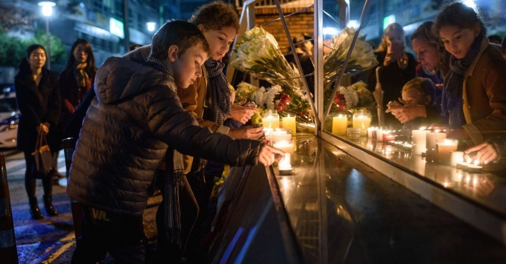 Here's How The World Is Showing Solidarity With France