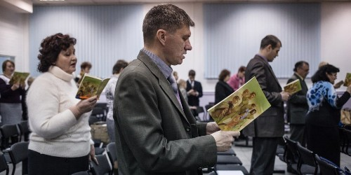 'We Liked to Sing. Now We Can Only Whisper.' How Russia Is Stepping Up Its Persecution of Jehovah's Witnesses