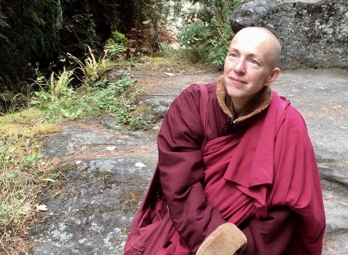 This High-Flying Banker Became a Buddhist Nun. Here's Her Advice on Happiness