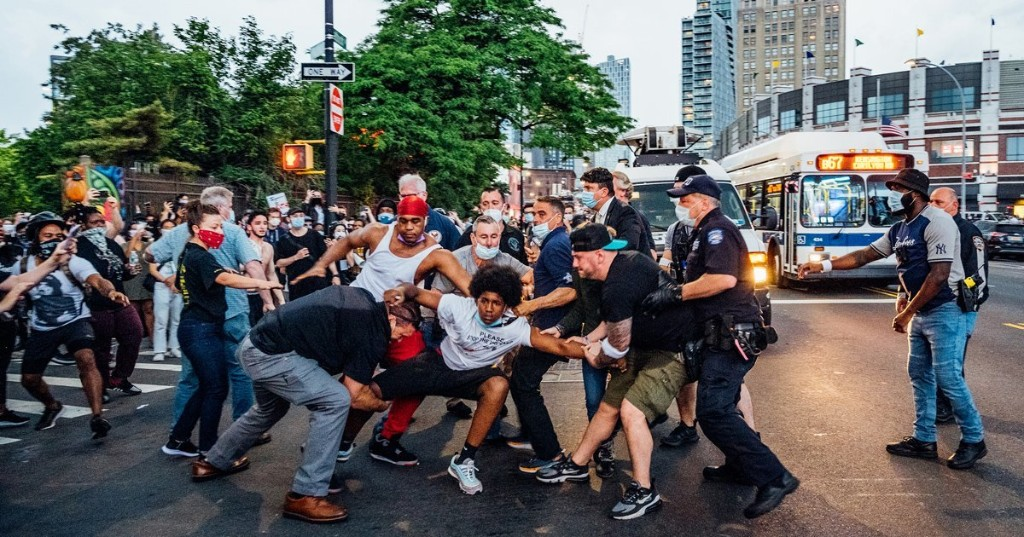 'I Couldn't Just Sit and Watch.' Photographing New York City's George Floyd Protests