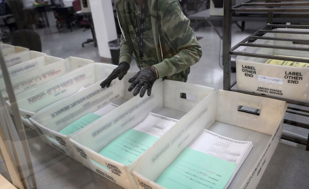 Four Dozen Undelivered Ballots Found at Florida Post Office