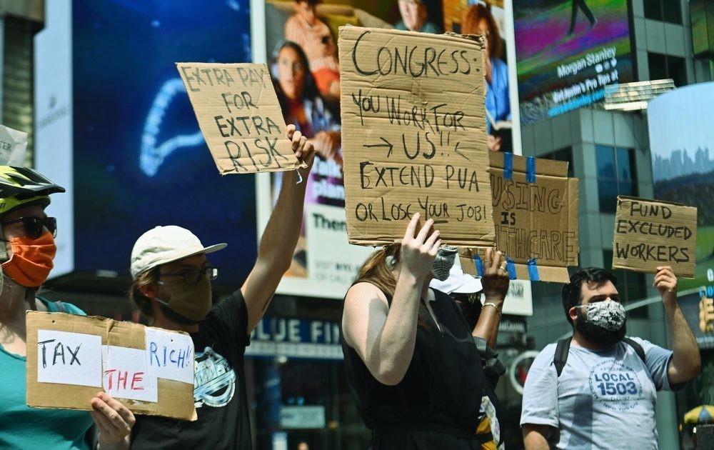 Jobless Americans Wait While Washington Debates