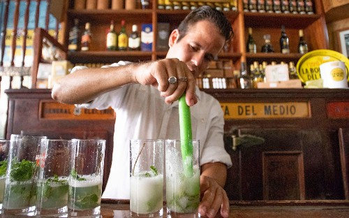 10 signature cocktails from around the world and the history behind them