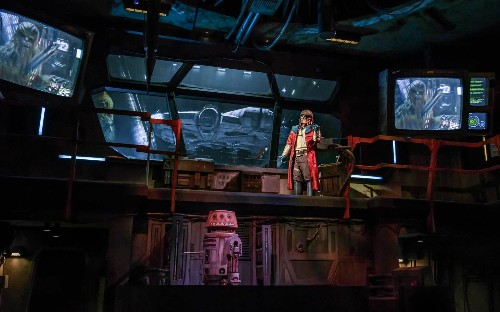 Here's what it's like to ride the Millennium Falcon at Star Wars land