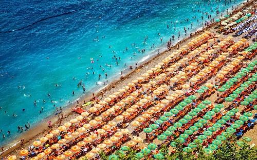 6 tips for saving money on summer travel