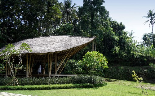 A Buddhist nun will rock you to sleep during a 'sacred nap' at luxury resort in Bali