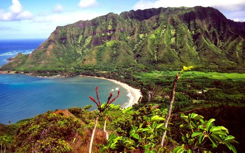 Oahu's 7 best hiking trails have one thing in common — breathtaking ocean views