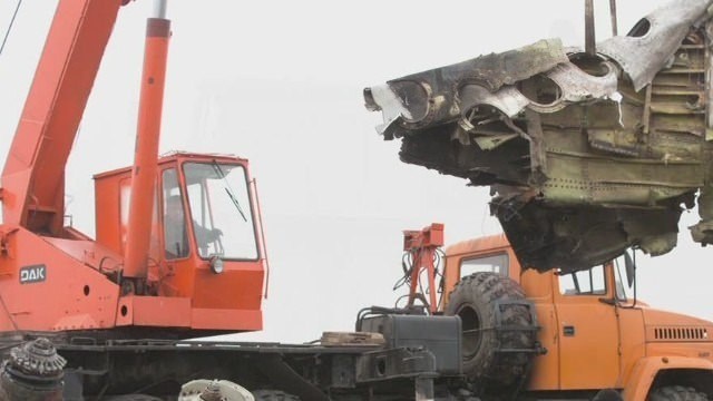 Dutch say recovery of MH17 wreckage has begun