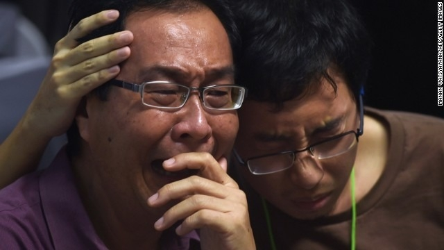 Search for AirAsia Flight 8501 wreckage resumes