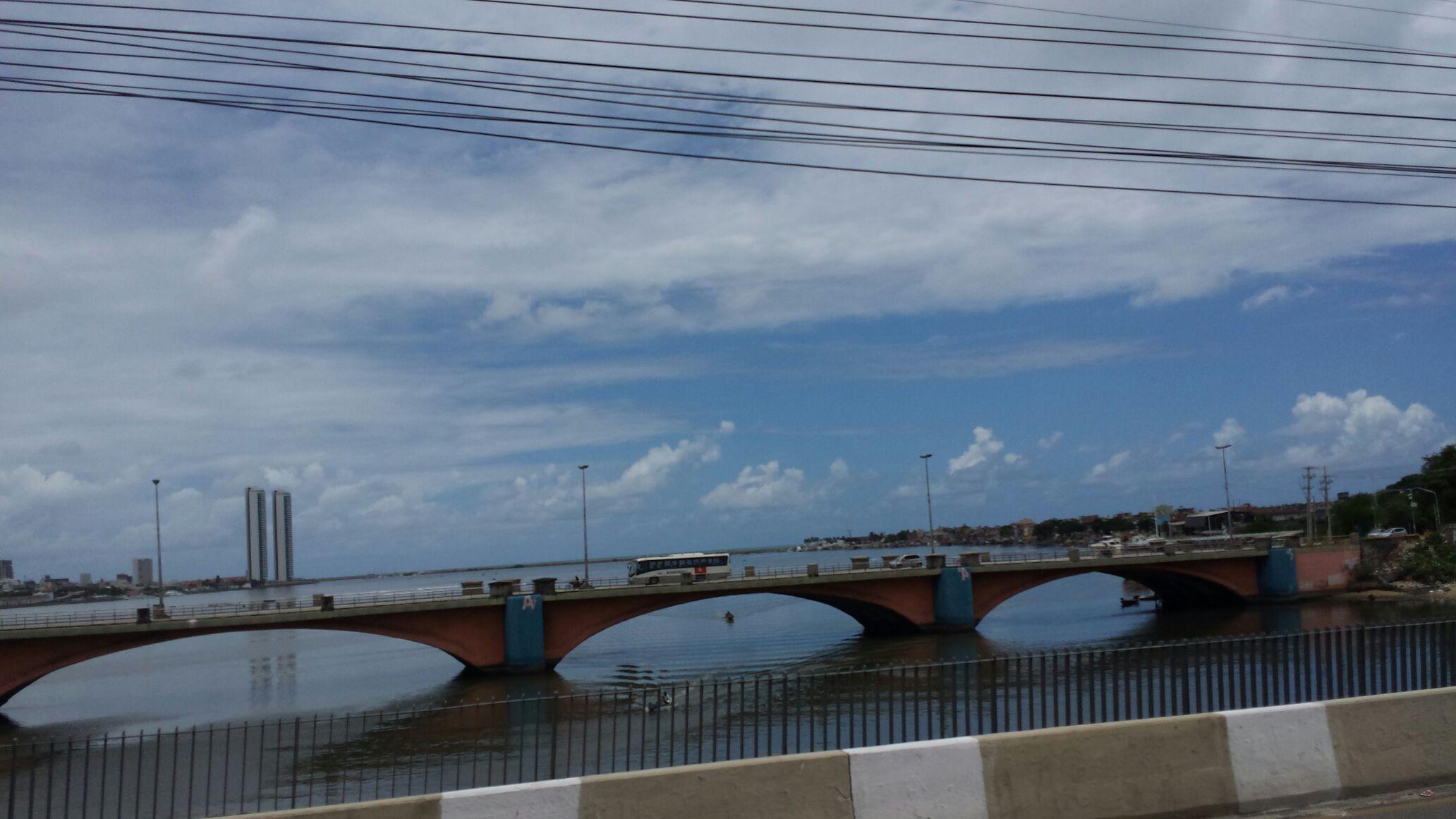 Boa Viagem Bairro Nobre Do Recife - Magazine cover