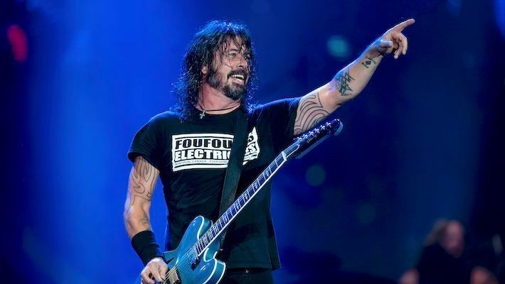 Dave Grohl Reflects On Performing With Led Zeppelin Members