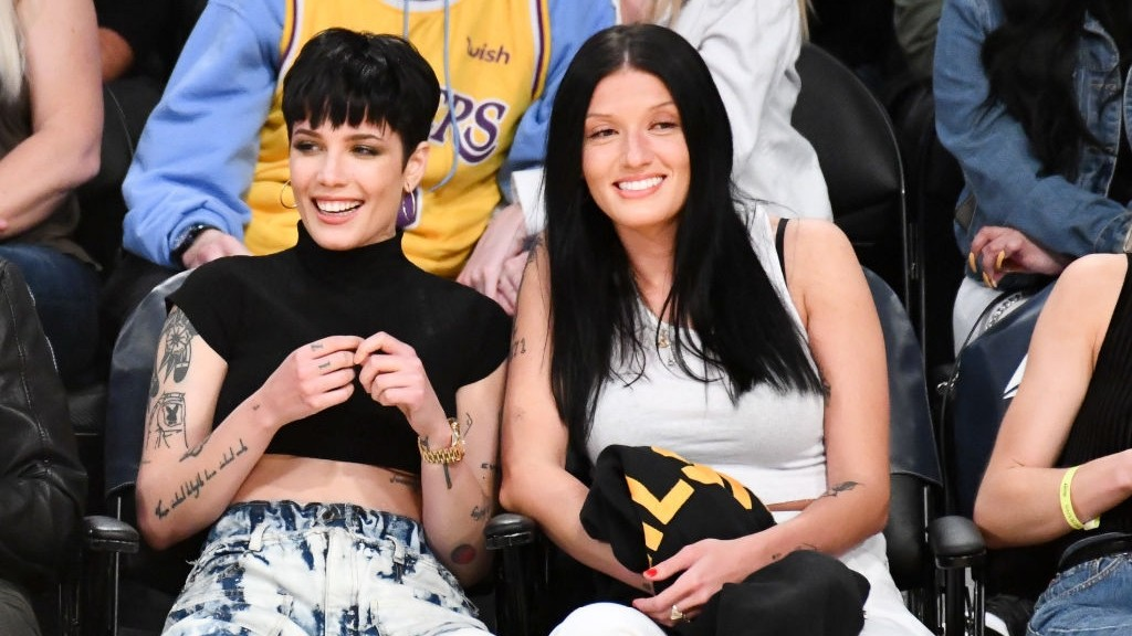 Halsey Is The New Star Of Basketball Twitter