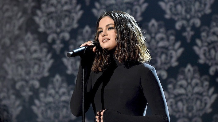 Peacock Apologizes For 'Saved By The Bell' Making Fun Of Selena Gomez