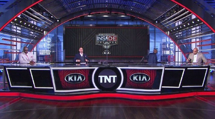 Watch Kenny Smith Leave The 'NBA On TNT' Set In Support Of NBA Players