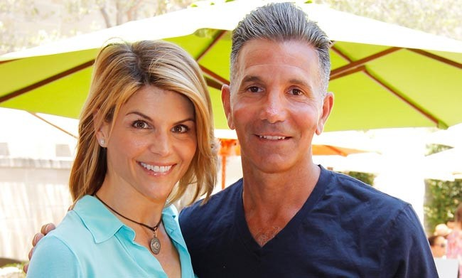 Lori Loughlin's Husband Is Apparently A Vocal Trump Supporter Who Frequently Complains About People Not 'Carrying Their Own Weight'