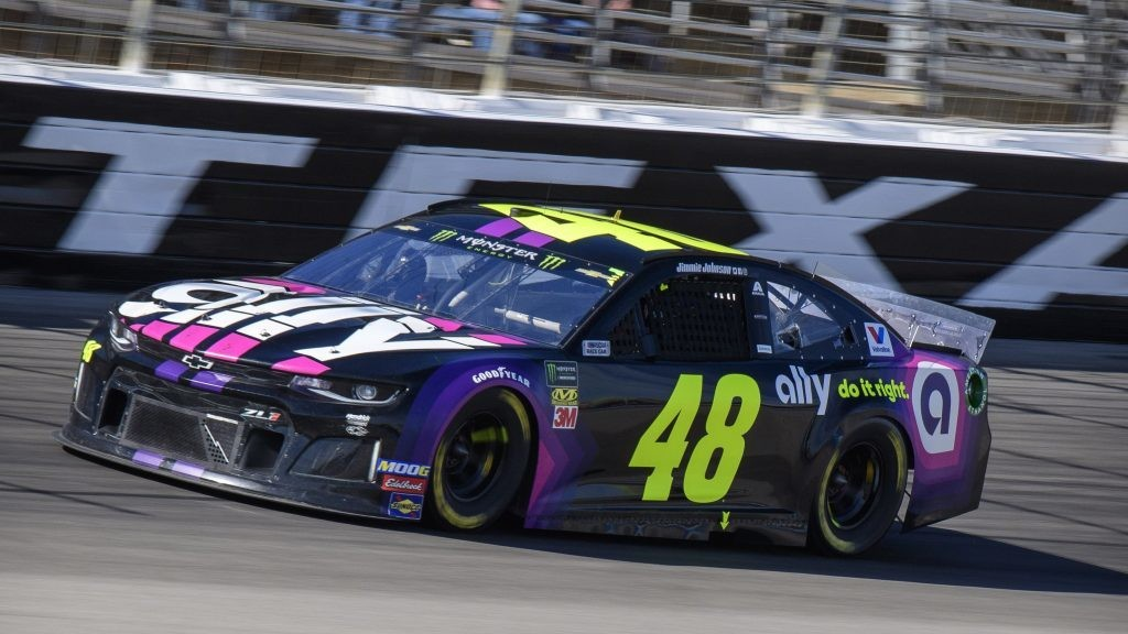 Autotrader EchoPark Automotive 500 at Texas odds, picks and prediction