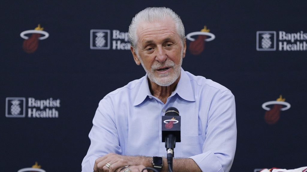 Pat Riley says Lakers title comes with 'asterisk' ... but not the asterisk you're thinking