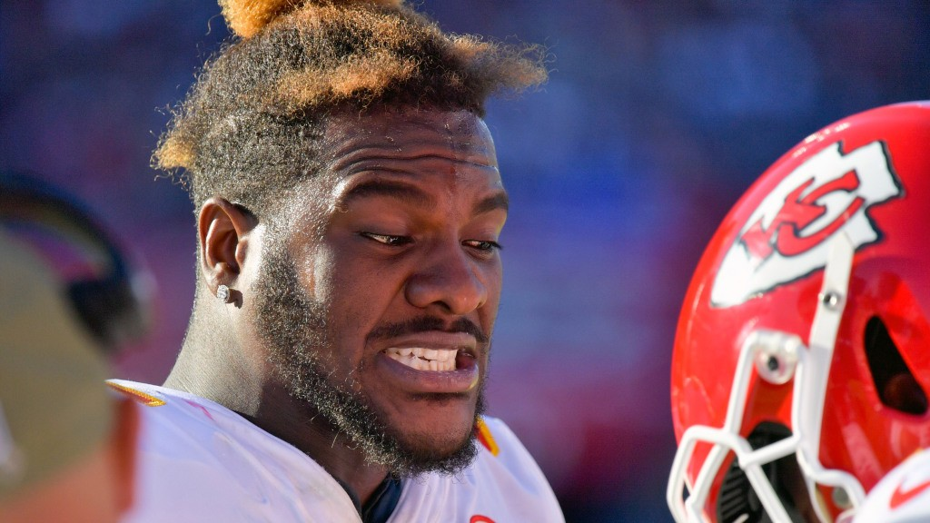 Chiefs DE Frank Clark fined for roughing Buccaneers QB Tom Brady