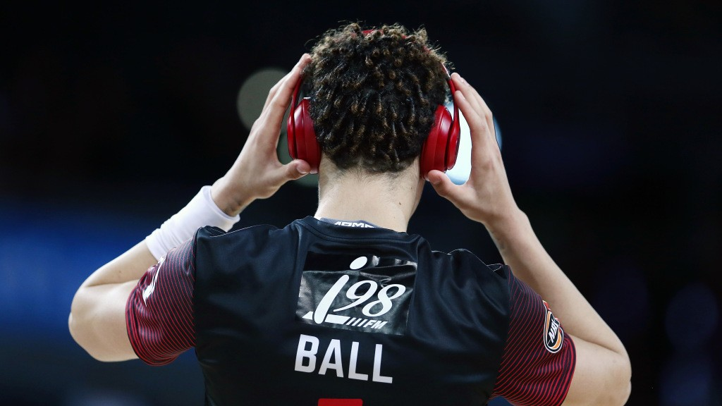 LaMelo Ball slotted No. 3 to Hornets in newest Yahoo Sports mock draft