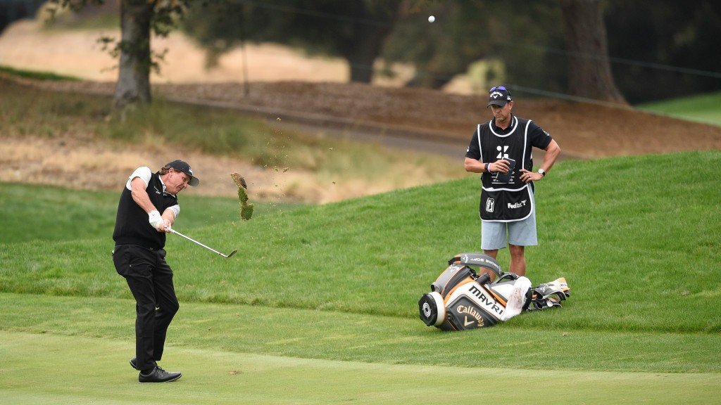 Phil Mickelson picks Houston over Phoenix as final Masters prep site