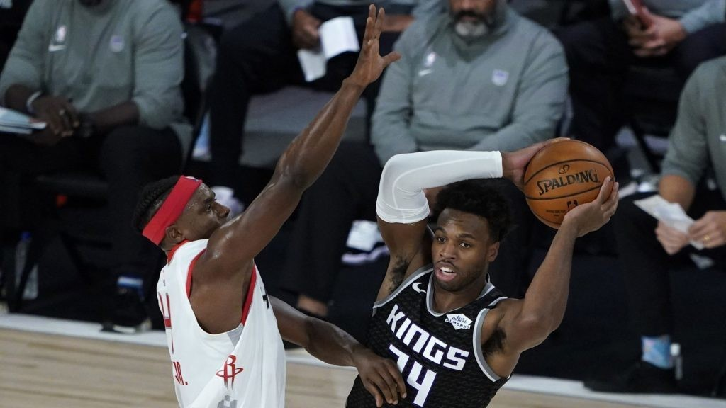Rockets rest Danuel House Jr. for third straight game with toe sprain