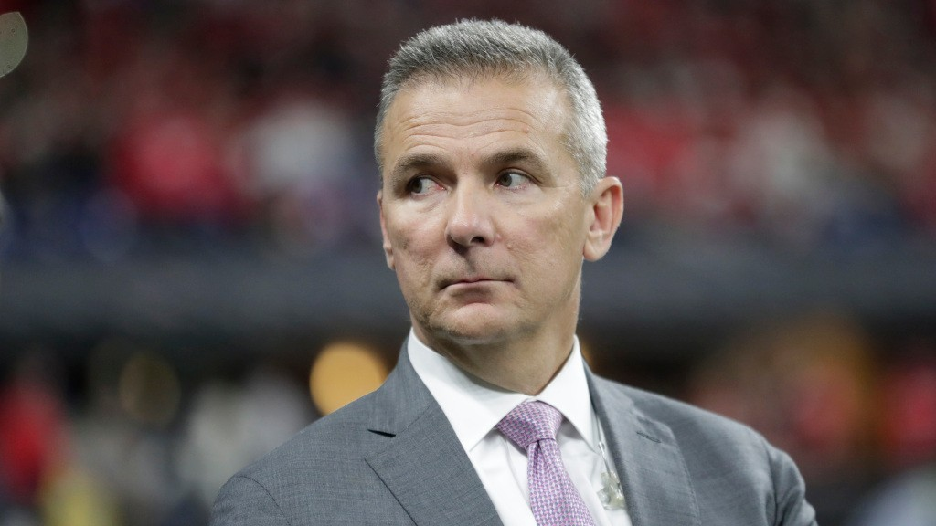 Texas fans are analyzing hotel curtains to figure out if Urban Meyer will be team's next coach