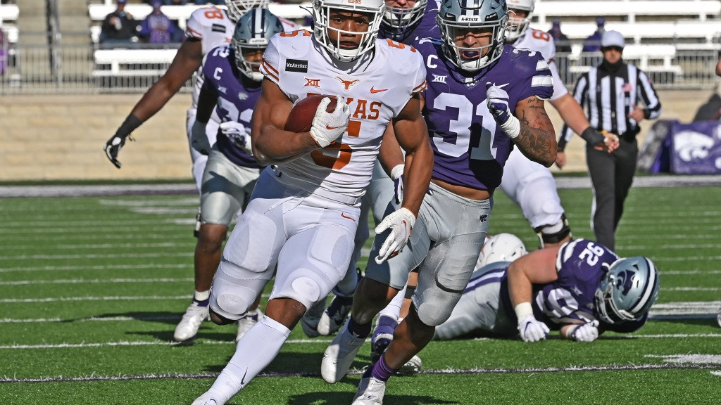 Texas Longhorns vs Kansas State: Bijan Robinson continues to sizzle