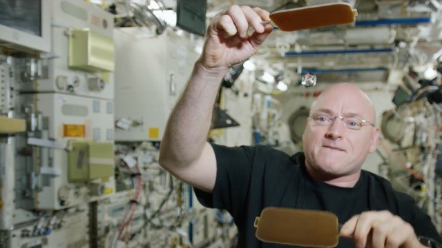 After 340 days in space, astronaut Scott Kelly back on Earth