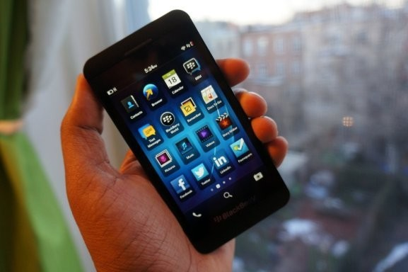 T-Mobile yanks BlackBerry phones from stores after no one buys them