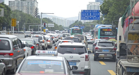 How China's meshing ride-sharing data with smart traffic lights to ease road congestion