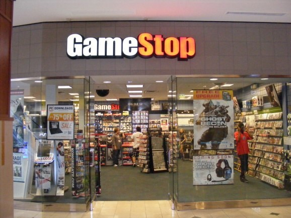 GameStop expects new PlayStation 4, Xbox One, and other hardware sales to drop 10% in 2016