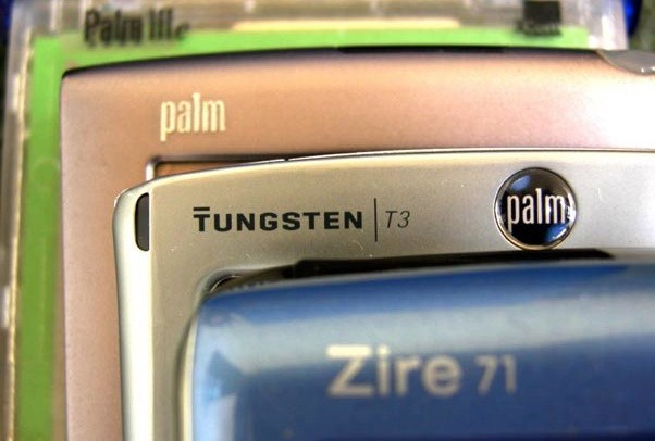 Apple licenses former Palm smartphone patents for $10M