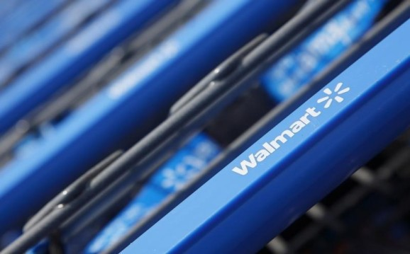 Wal-Mart merges tech teams in online push