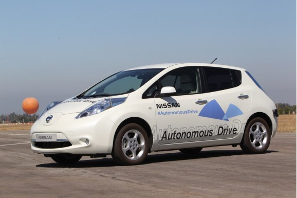 Nissan demos its self-driving cars for 2020