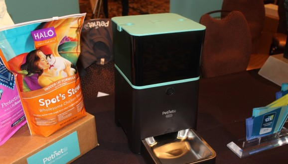 Petnet's Smart Feeder takes better care of your pet