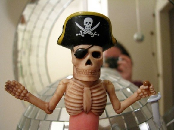 Copyright pirates could lose their Internet access via AT&T