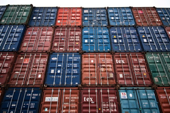 Google, Docker, CoreOS, Mesosphere form the Cloud Native Computing Foundation to standardize container tools