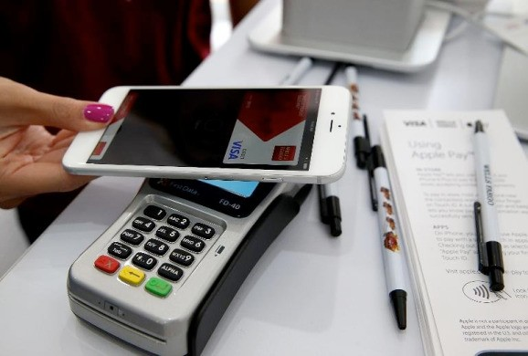 Apple Pay highlights a fragmented market for mobile payments