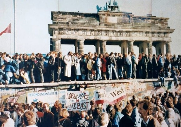 Amazon Web Services: This generation's Berlin Wall tear-down deflationary event