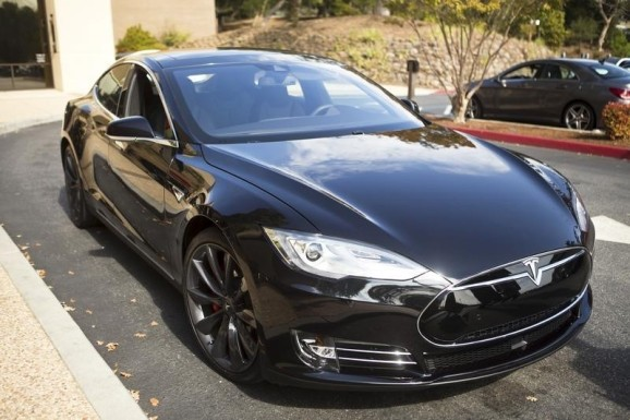 Tesla offering 2-year leases on Model S and X cars purchased by September 12
