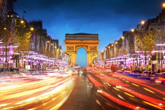 Paris bans half of all cars from its roads — but electric vehicles are exempt