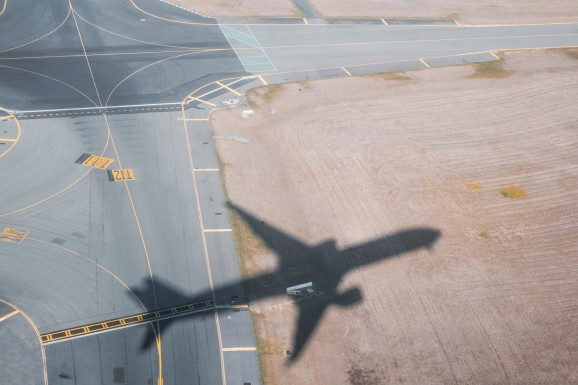 Lawmakers circle the airport while crypto innovators move offshore