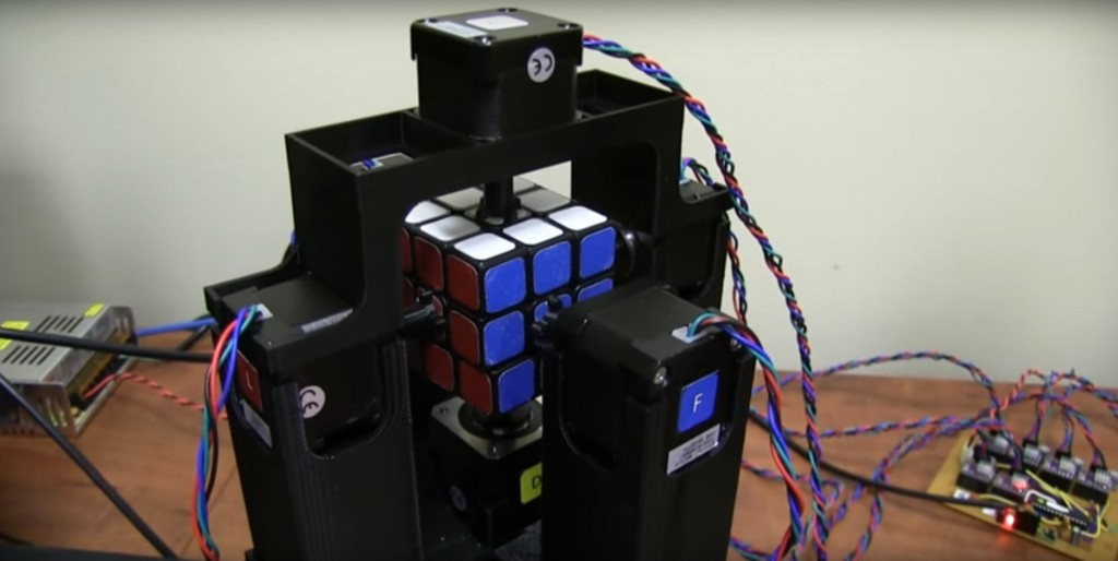 Watch this robot solve a Rubik's Cube in 1 second