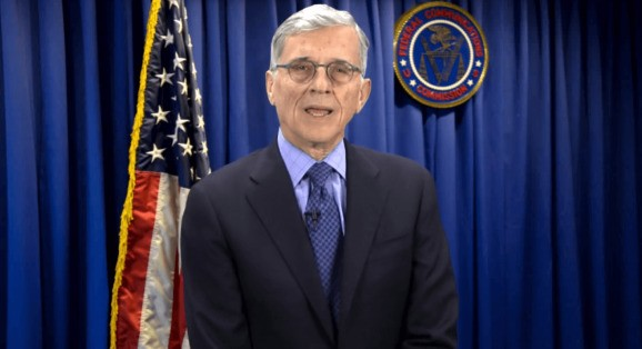 FCC won't extend privacy proposal for broadband providers to Twitter, Google or Facebook