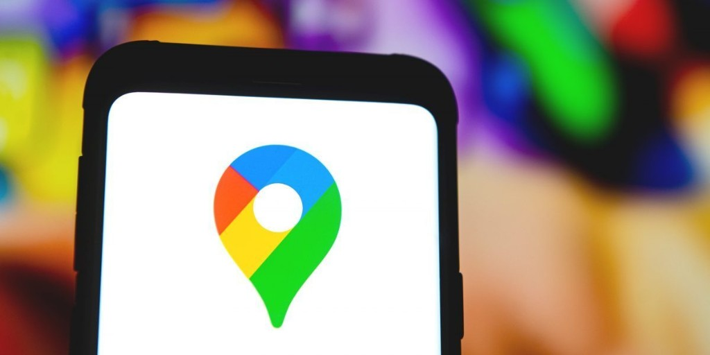 Google Maps gains driving mode and food delivery status