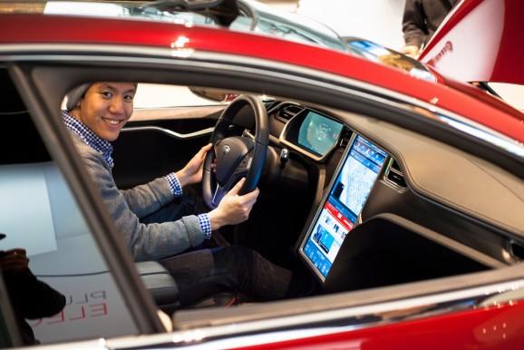 It had to happen: Jailbreaking a Tesla Model S