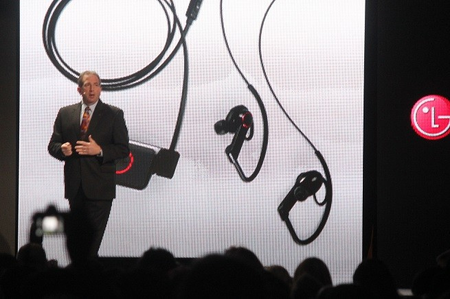 LG launches Lifeband fitness gadget and heartbeat-detecting earphones
