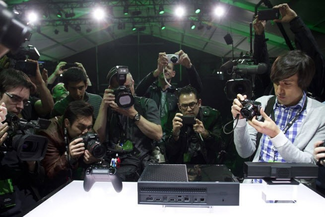 Microsoft draws a mixed reaction for the Xbox One